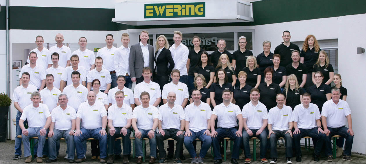 ewering_fachgeschaeft_raumdesign_teamfoto_001